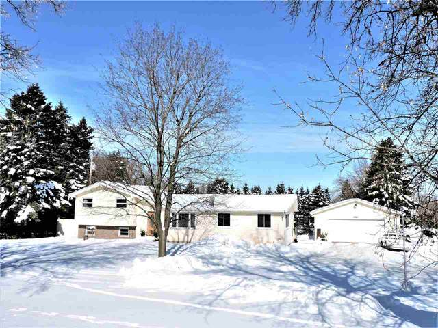 4902 Leonard Point Road, Oshkosh, WI 54904 (#50235690) :: Town & Country Real Estate