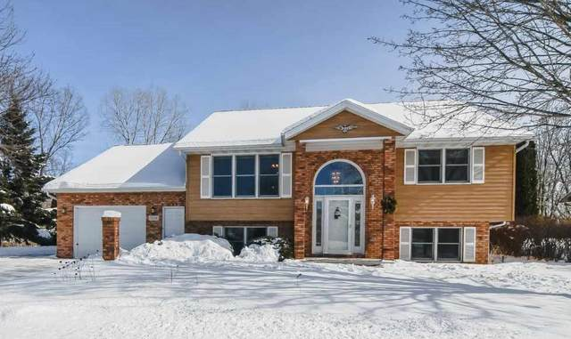 3236 N Whitney Drive, Appleton, WI 54914 (#50235691) :: Town & Country Real Estate