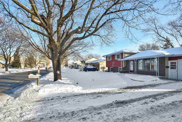 1101 Valley View Road, Green Bay, WI 54304 (#50235742) :: Carolyn Stark Real Estate Team