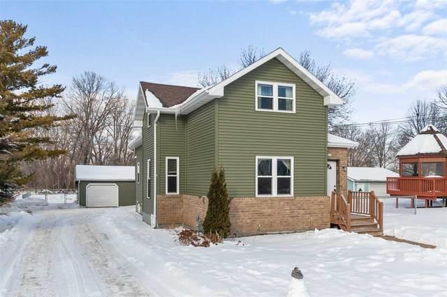 822 W 4TH Avenue, Oshkosh, WI 54902 (#50235747) :: Town & Country Real Estate