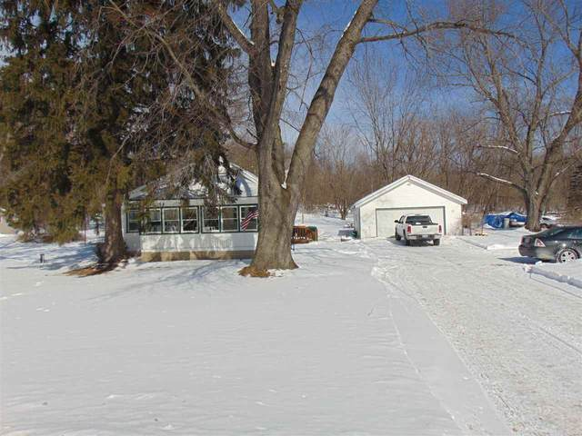 E1892 Hwy 54, Waupaca, WI 54981 (#50235755) :: Town & Country Real Estate