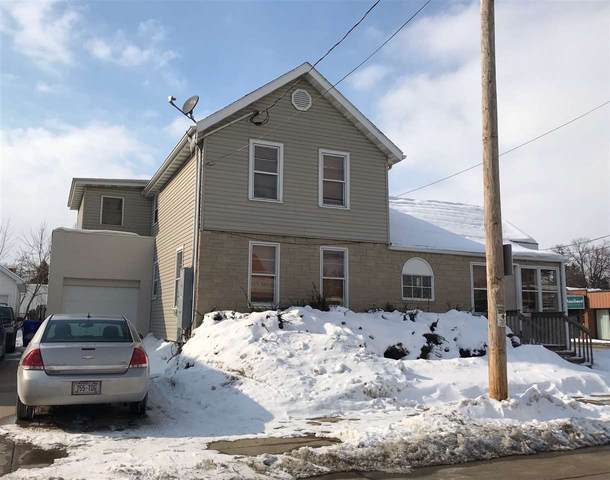 1221 N Division Street, Appleton, WI 54911 (#50235777) :: Todd Wiese Homeselling System, Inc.
