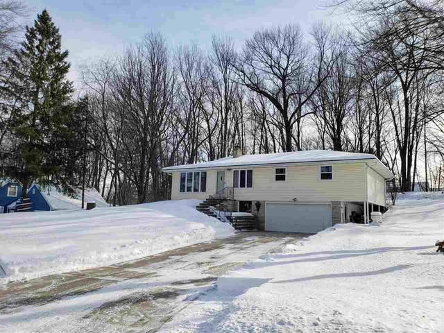 2771 Whippoorwill Drive, Green Bay, WI 54304 (#50235782) :: Town & Country Real Estate