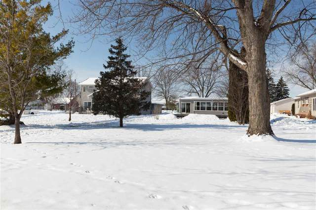 N8585 Lakeshore Drive, Fond Du Lac, WI 54937 (#50235792) :: Town & Country Real Estate