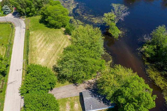 640 E River Drive, Omro, WI 54963 (#50235821) :: Town & Country Real Estate