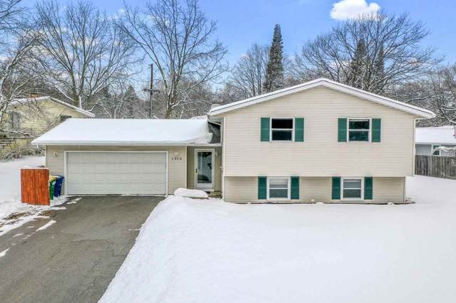 1910 Mulberry Lane, Green Bay, WI 54304 (#50235868) :: Town & Country Real Estate