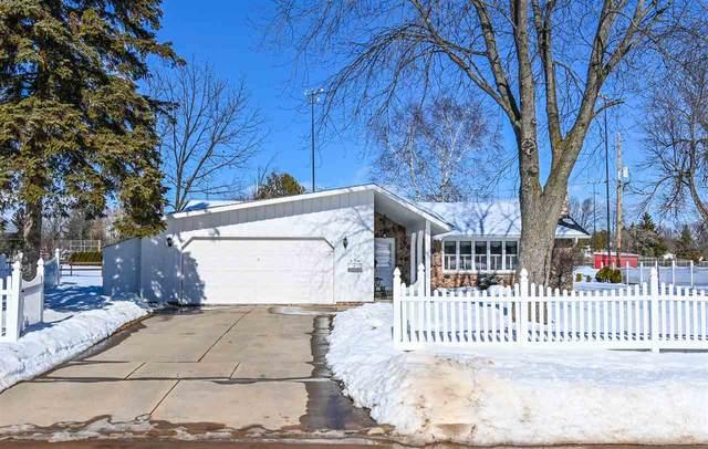 207 Memorial Drive, Pulaski, WI 54162 (#50235913) :: Carolyn Stark Real Estate Team