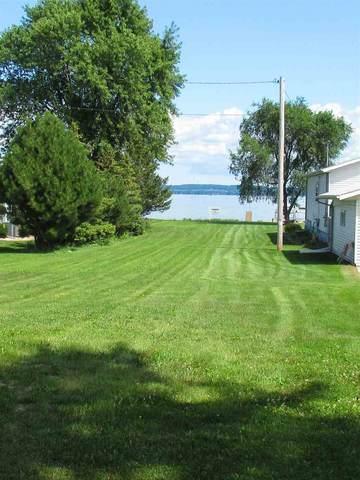 N8805 Lakeshore Drive, Van Dyne, WI 54979 (#50235920) :: Town & Country Real Estate