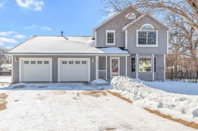 2332 Bay Beach Court, Green Bay, WI 54302 (#50235958) :: Carolyn Stark Real Estate Team