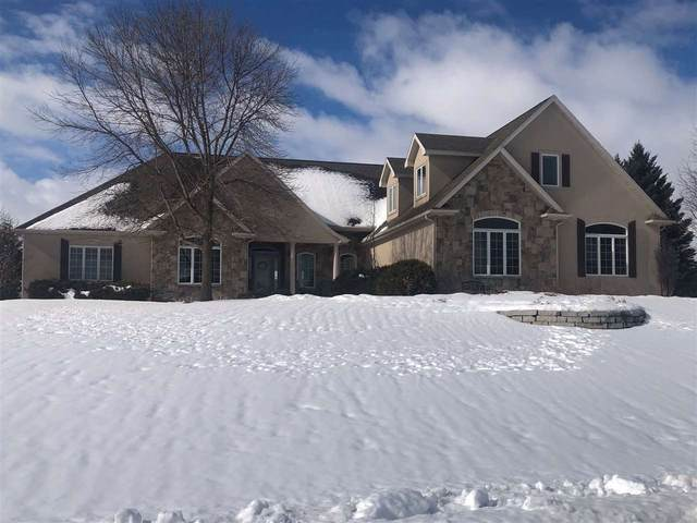8203 Golf Course Drive, Neenah, WI 54956 (#50235960) :: Carolyn Stark Real Estate Team