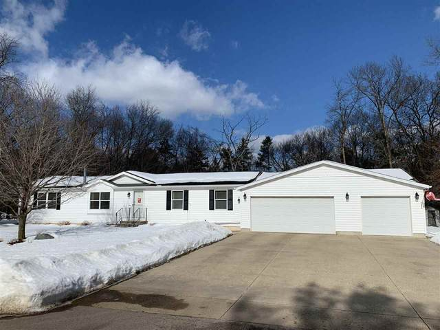 W5130 Northwood Drive, Shawano, WI 54166 (#50235982) :: Town & Country Real Estate