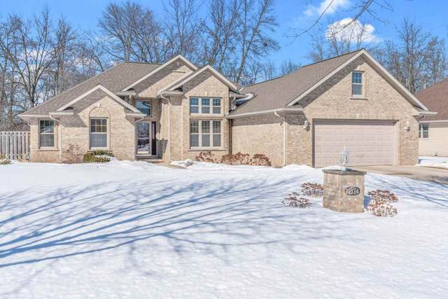 2204 River Trail Court, De Pere, WI 54115 (#50235988) :: Todd Wiese Homeselling System, Inc.