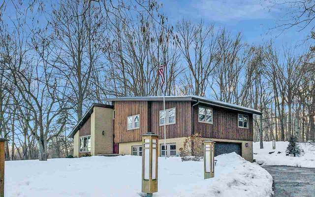 6161 N Rosewood Drive, Appleton, WI 54913 (#50235998) :: Town & Country Real Estate