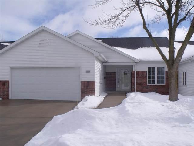 3220 N Barkwood Lane, Appleton, WI 54914 (#50236005) :: Carolyn Stark Real Estate Team