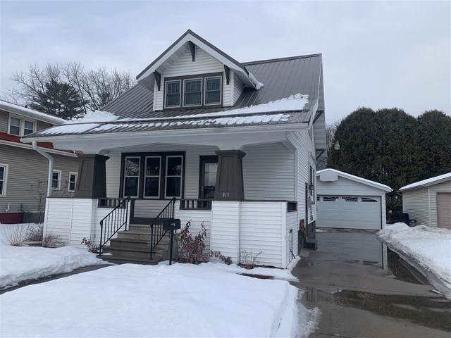 813 E 5TH Street, Shawano, WI 54166 (#50236007) :: Ben Bartolazzi Real Estate Inc