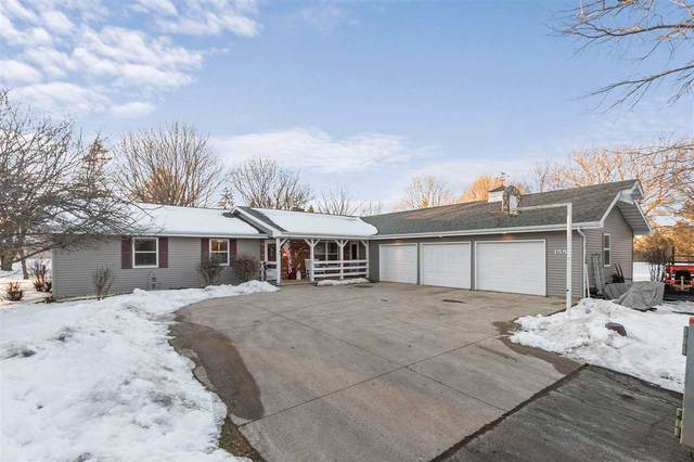 1881 Hwy G Road, Neenah, WI 54956 (#50236014) :: Todd Wiese Homeselling System, Inc.