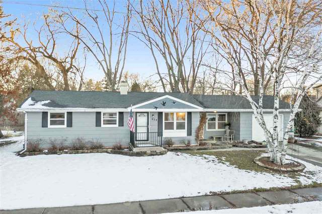 924 Goodell Street, Green Bay, WI 54301 (#50236018) :: Town & Country Real Estate
