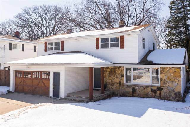 124 E Crestview Drive, Appleton, WI 54915 (#50236024) :: Todd Wiese Homeselling System, Inc.