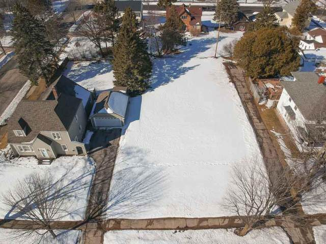 1111 Dodge Street, Kewaunee, WI 54216 (#50236050) :: Town & Country Real Estate