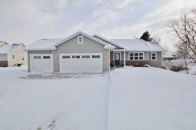 N2306 Heavenly Drive, Greenville, WI 54942 (#50236074) :: Ben Bartolazzi Real Estate Inc