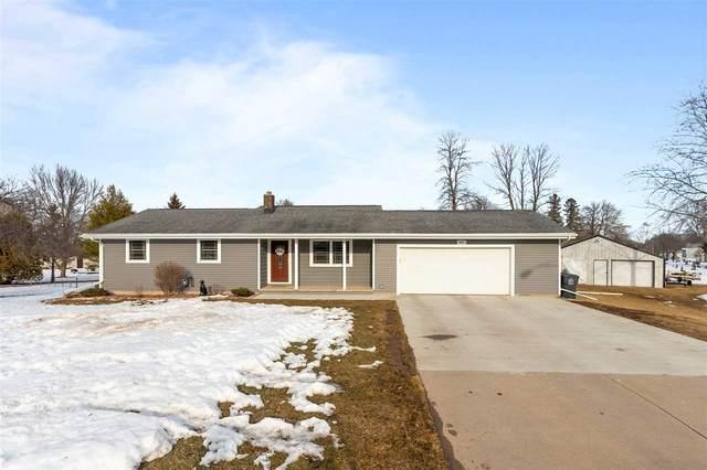 407 Vanderloop Court, Kaukauna, WI 54130 (#50236088) :: Todd Wiese Homeselling System, Inc.