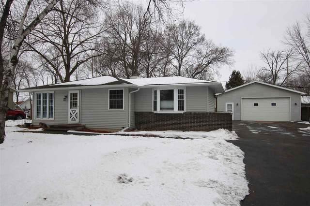 1438 Glenview Drive, Neenah, WI 54956 (#50236096) :: Carolyn Stark Real Estate Team