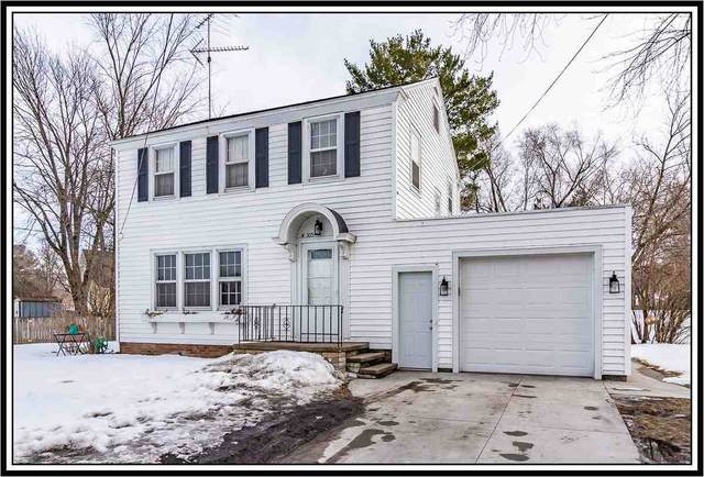 305 W Main Street, Weyauwega, WI 54983 (#50236118) :: Town & Country Real Estate