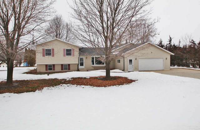 5696 Glendale Avenue, Green Bay, WI 54313 (#50236138) :: Dallaire Realty