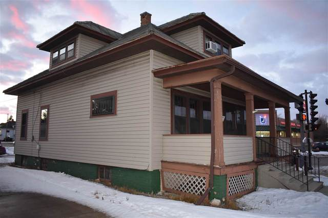 2122 Washington Street, Two Rivers, WI 54241 (#50236164) :: Carolyn Stark Real Estate Team