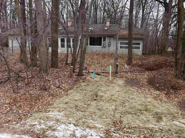 2144 E Shady Lane, Neenah, WI 54956 (#50236206) :: Carolyn Stark Real Estate Team