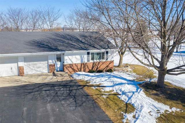 1761 Parkwood Drive, Oshkosh, WI 54904 (#50236209) :: Town & Country Real Estate