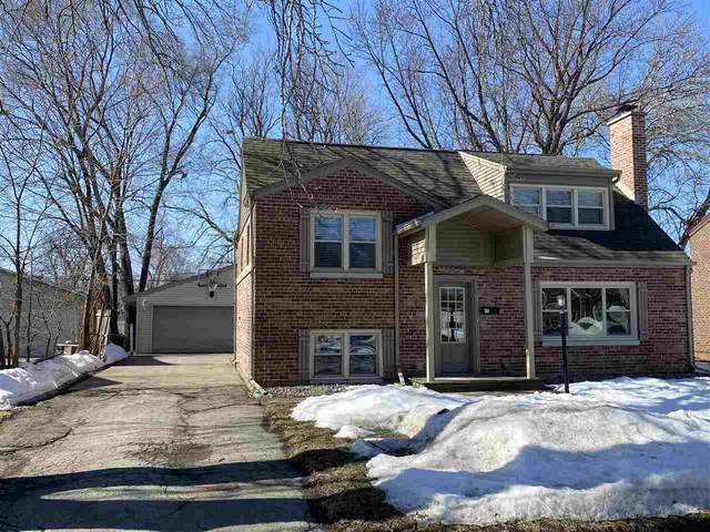 743 Carver Lane, Menasha, WI 54952 (#50236313) :: Carolyn Stark Real Estate Team
