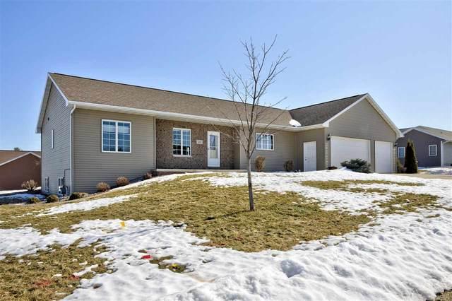 204 Gabriel Lane, Hortonville, WI 54944 (#50236333) :: Symes Realty, LLC