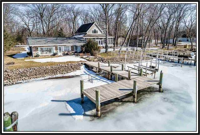 8897 Riverview Lane, Fremont, WI 54940 (#50236336) :: Town & Country Real Estate