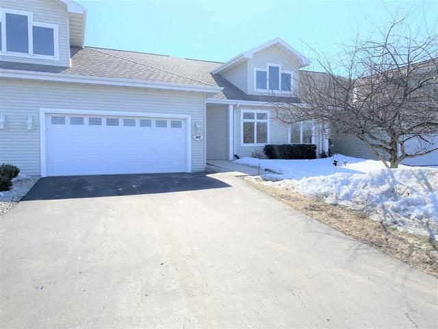 382 Southlake Circle, Fond Du Lac, WI 54935 (#50236361) :: Symes Realty, LLC