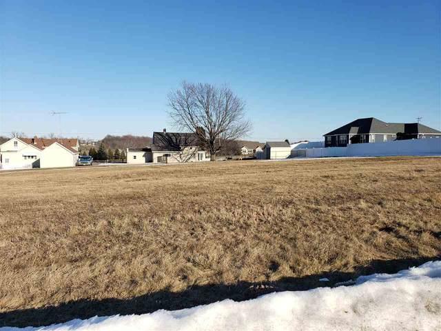 416 Field Lane, Chilton, WI 53014 (#50236393) :: Ben Bartolazzi Real Estate Inc