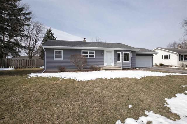 1400 Lakeview Lane, Menasha, WI 54952 (#50236430) :: Todd Wiese Homeselling System, Inc.