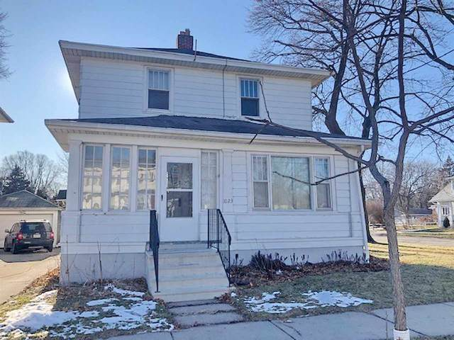 1023 Howard Street, Green Bay, WI 54303 (#50236431) :: Todd Wiese Homeselling System, Inc.
