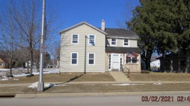 1034 W Main Street, Princeton, WI 54958 (#50236471) :: Carolyn Stark Real Estate Team