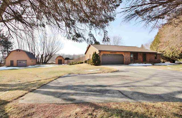 3067 Celestial Lane, Suamico, WI 54313 (#50236613) :: Town & Country Real Estate