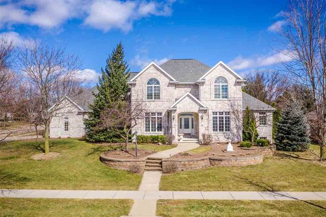 200 E Crossing Meadows Lane, Appleton, WI 54913 (#50236641) :: Todd Wiese Homeselling System, Inc.