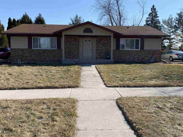 1604 Coolidge Drive, New Holstein, WI 53061 (#50236860) :: Town & Country Real Estate