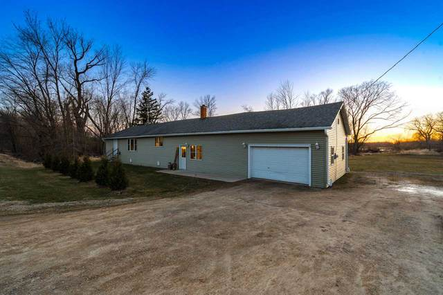 N3799 Hwy M, Hortonville, WI 54944 (#50236946) :: Town & Country Real Estate