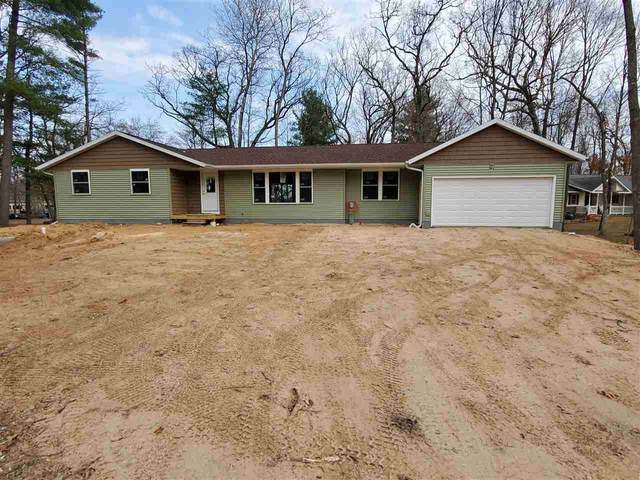 N3124 W Silver Lake Drive, Waupaca, WI 54981 (#50237231) :: Town & Country Real Estate