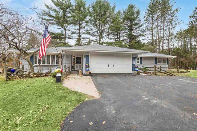 W5753 Oak Lane, Wausaukee, WI 54177 (#50237443) :: Symes Realty, LLC