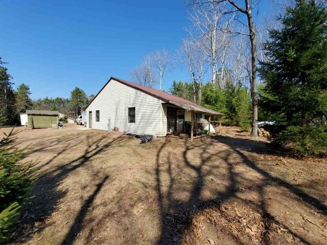 N1997 Evergreen Lane, Waupaca, WI 54981 (#50237476) :: Dallaire Realty