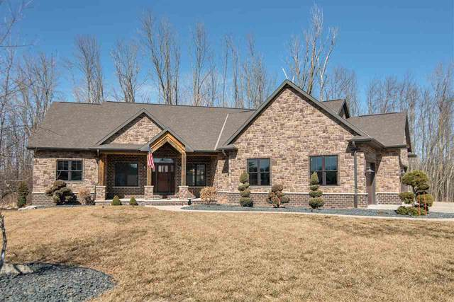 2012 North Gate Road, Suamico, WI 54313 (#50237560) :: Town & Country Real Estate