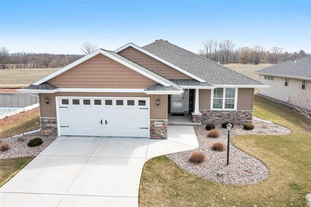 3834 Shore Crest Lane, Green Bay, WI 54311 (#50237571) :: Ben Bartolazzi Real Estate Inc