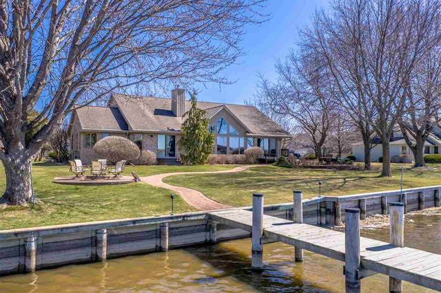 2 Admirals Way, Winneconne, WI 54986 (#50237676) :: Todd Wiese Homeselling System, Inc.