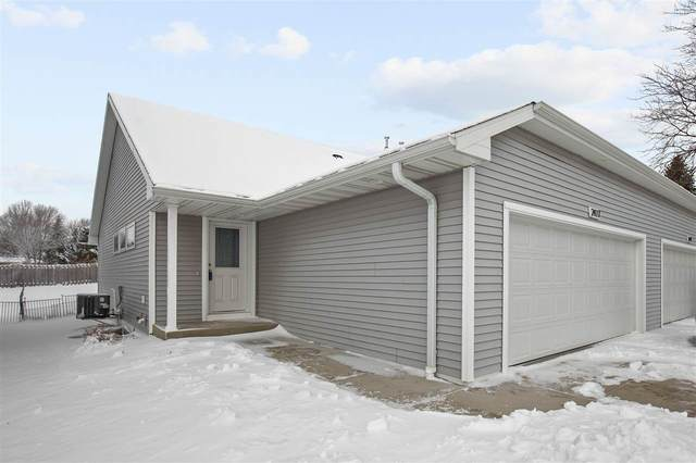 2473 Sun Terr, Green Bay, WI 54311 (#50237732) :: Town & Country Real Estate